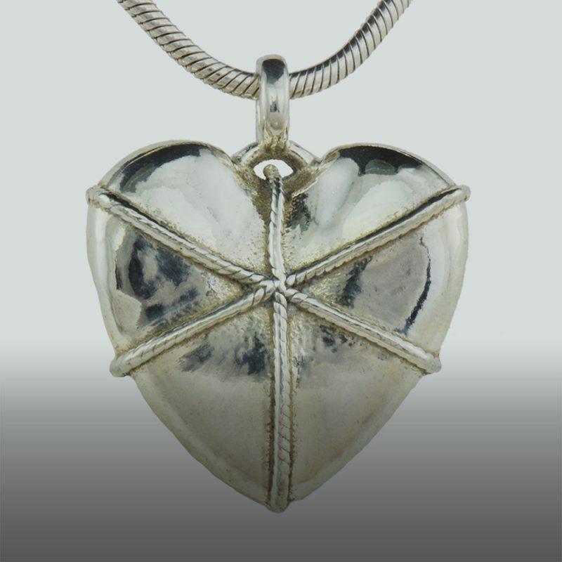 Erotikschmuck, Herzanhänger Boundet Heart, Silber, Vorderseite