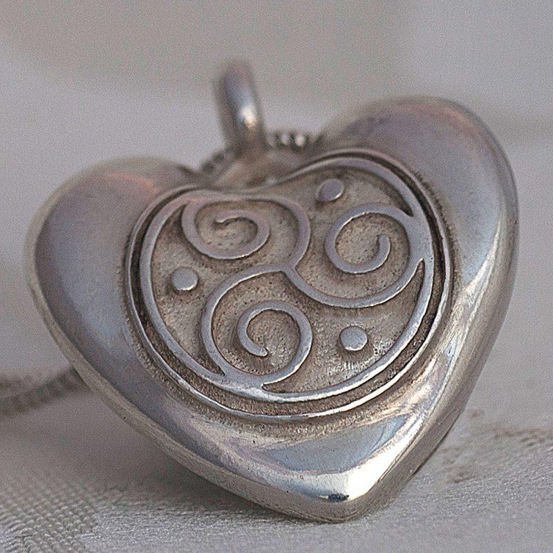 Erotikschmuck, Herzanhänger Triskele Heart, Silber