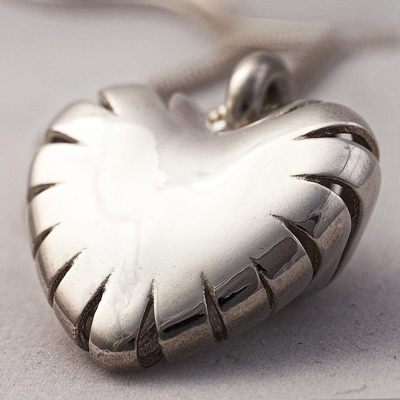 Erotikschmuck, Herzanhänger Lucent Heart, Silber Vorderseite
