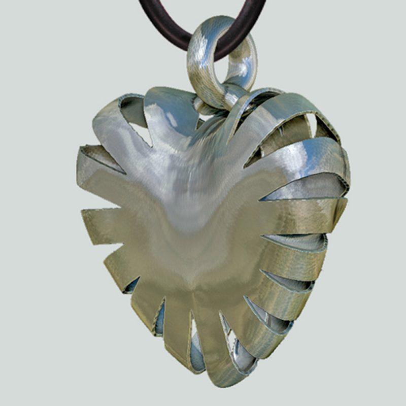 Erotikschmuck, Herzanhänger Lucent Heart, seitlich