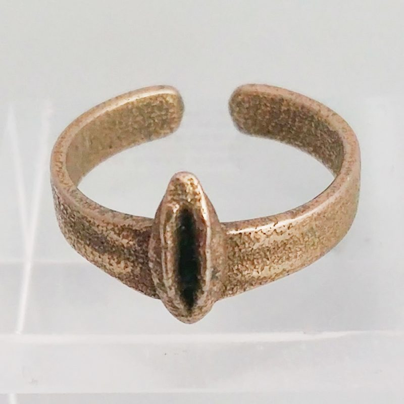Erotikschmuck, Yoni Ring_ Stahl, goldfarben Prototyp, Detailansicht