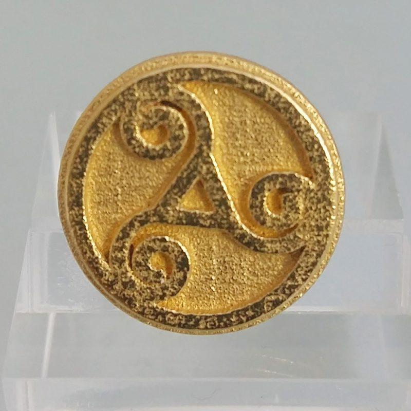 Triskele-ring_gold, Detailansicht, Prototyp front